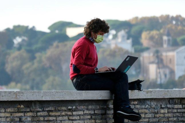 Избавьтесь от очередей: 19 процедур итальянской бюрократии, которые можно сделать онлайн